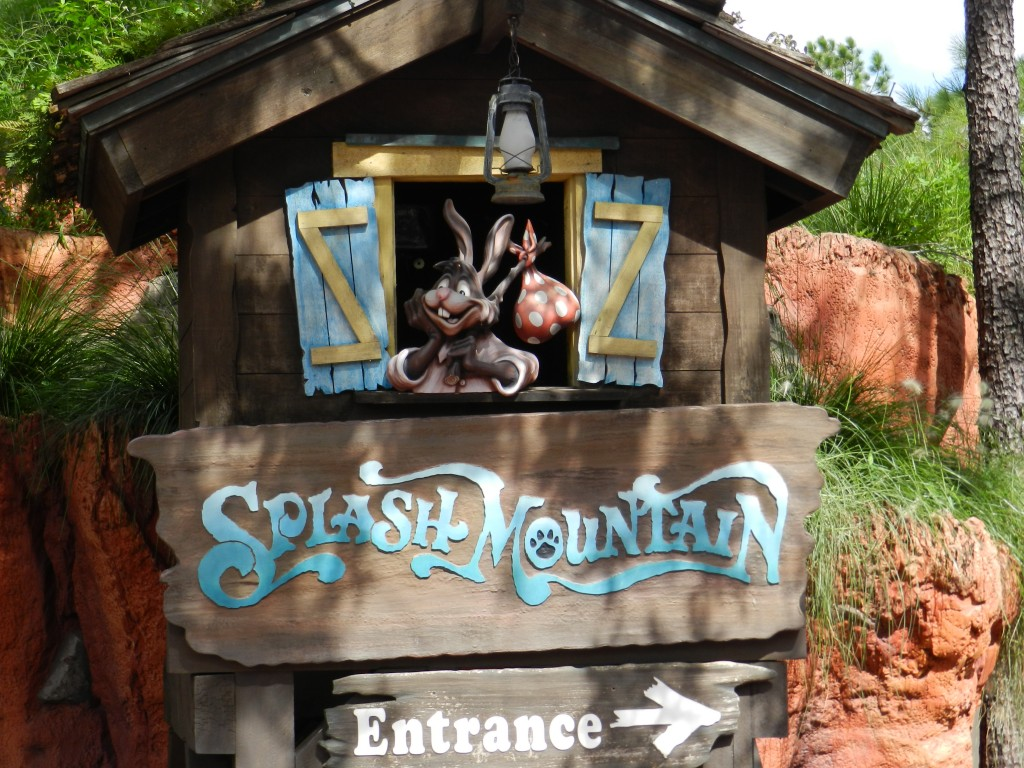 Splash mountain entrance at the Magic Kingdom with Brer Rabbit smiling.