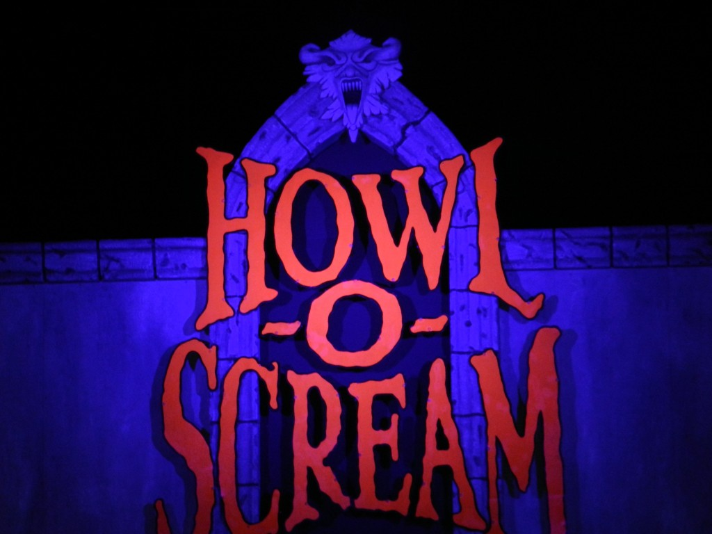 Howl-O-Scream Tampa Tips with foreboding sign.