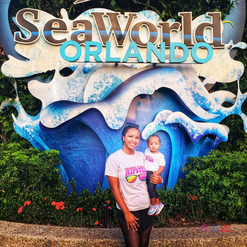 SeaWorld Spooktacular Halloween with NikkyJ of ThemeParkHipster