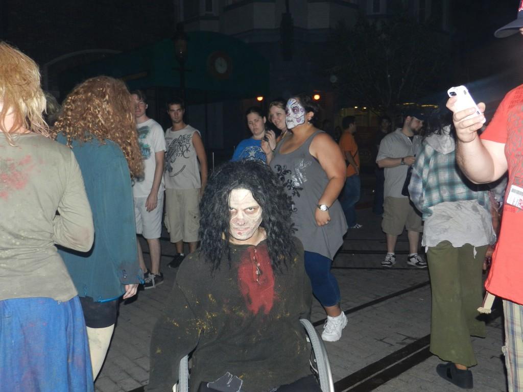 Halloween Horror Nights 22 zombie