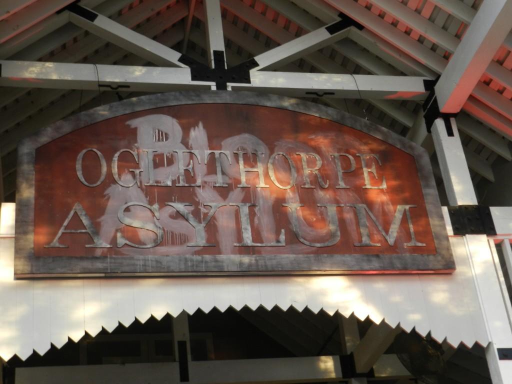 Howl-O-Scream 2012 Blood Asylum Haunted Maze
