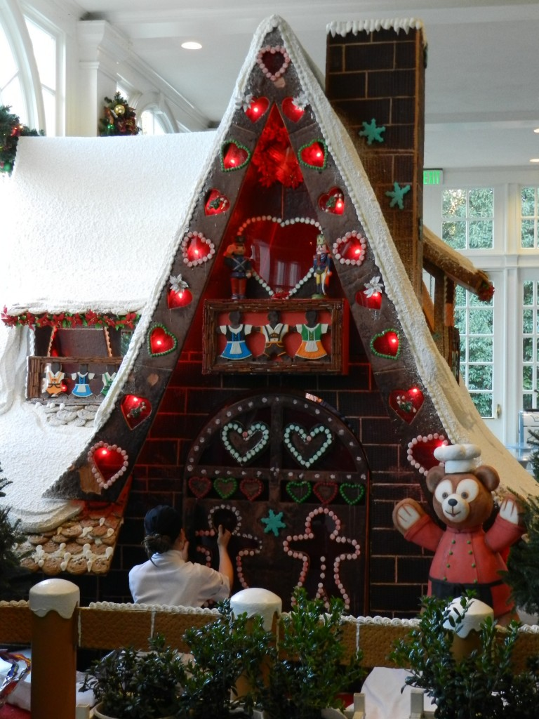 Disney World Gingerbread House at Epcot Duffy the Bear 2012