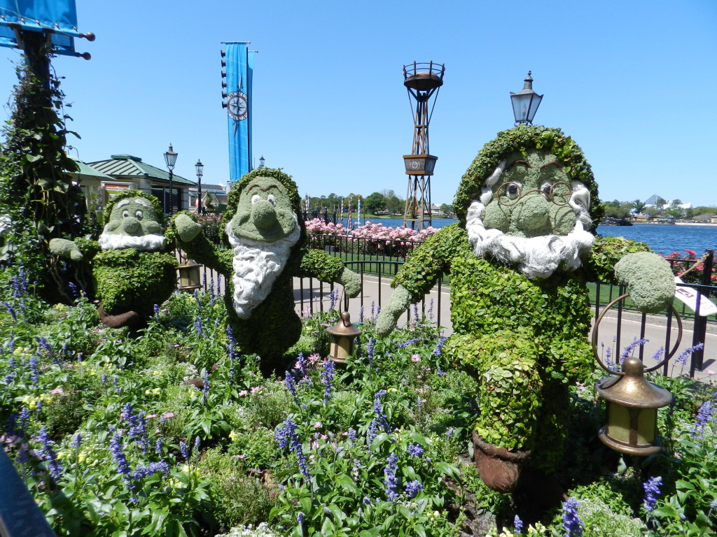 7 Dwarfs Topiary at EPCOT Flower Garden Festival