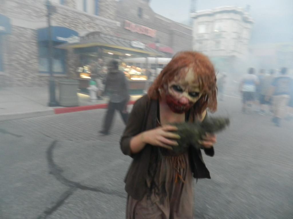 Walking Dead Walk at Universal Studios 2013 HHN