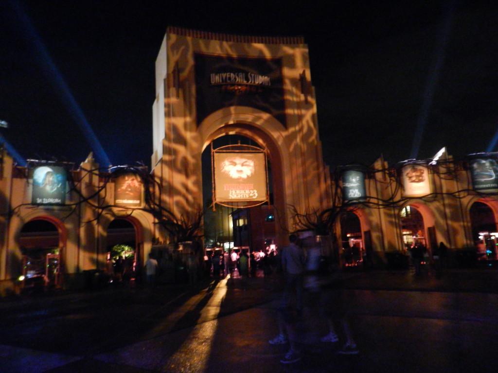 Halloween Horror Nights 2013 Main Gate
