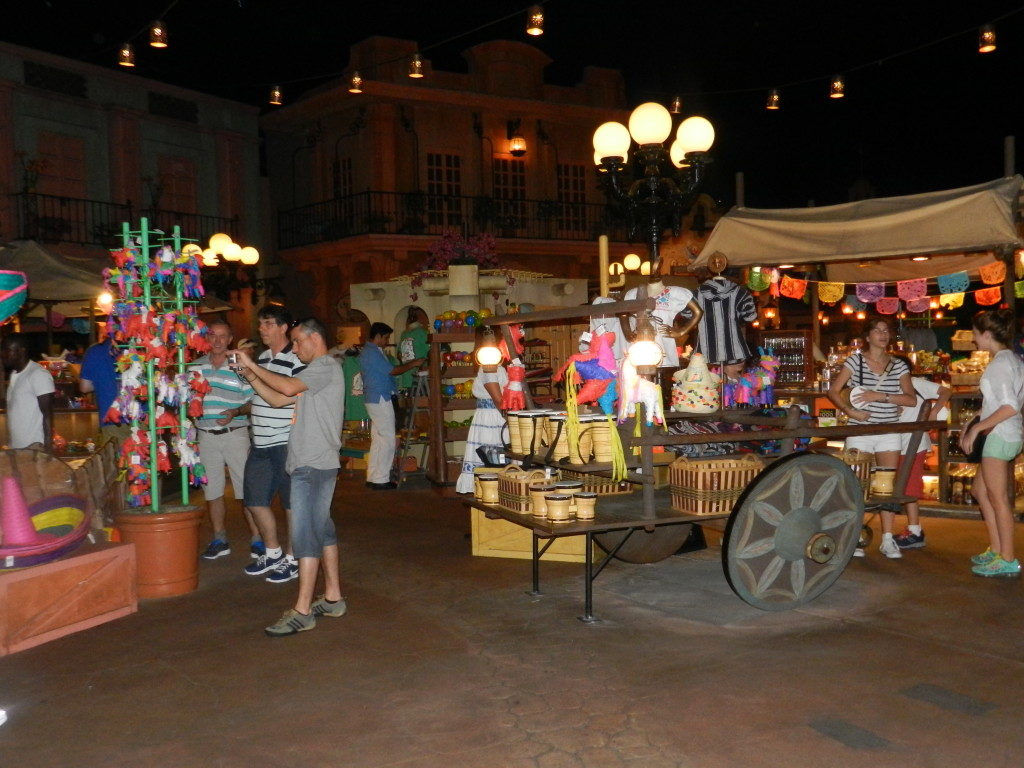 Plaza de los Amigos Epcot Mexico. Twilight Shopping Village. Epcot Hidden Secrets.