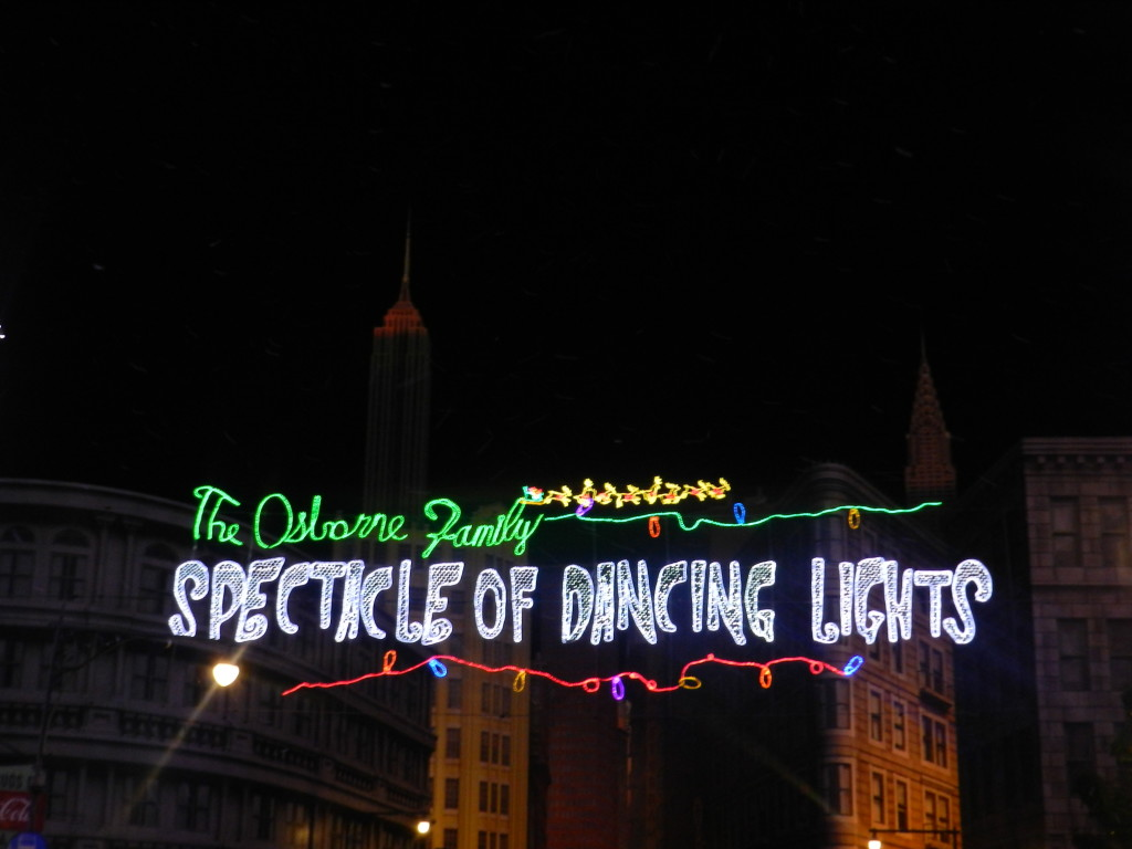 Christmas at Hollywood Studios: The Osborne Spectacle of Dancing Lights!