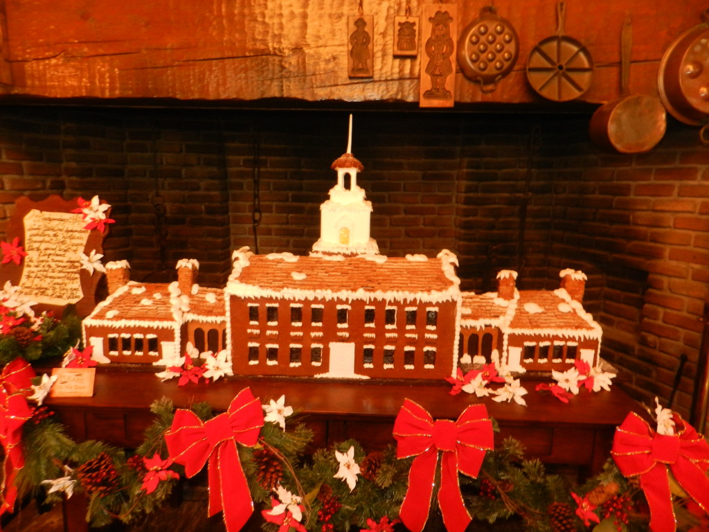 Christmas at the Magic Kingdom 2013: Gingerbread display in Liberty Square