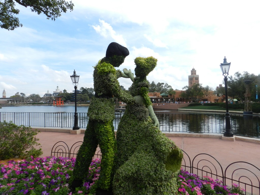 Epcot Flower and Garden Festival Cinderella and Prince Charming Topiary