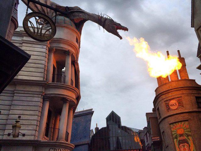 Diagon Alley Dragon Harry Potter