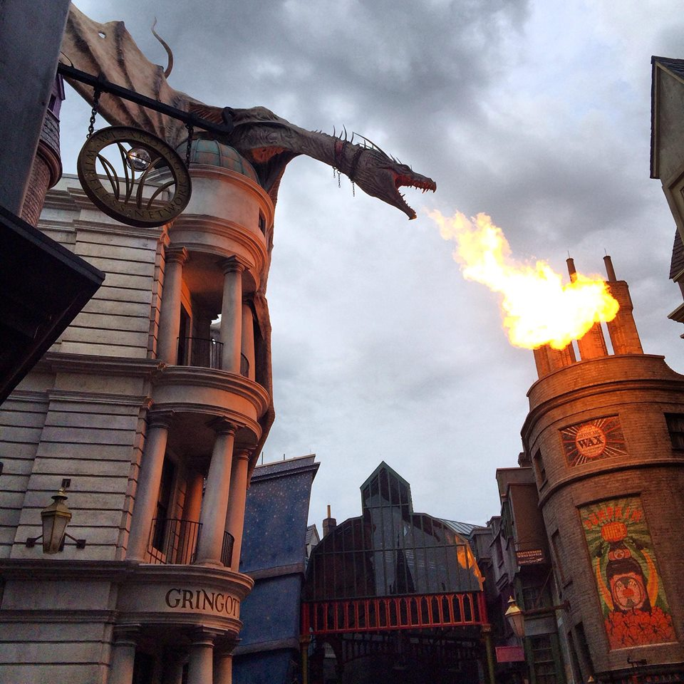 Diagon Alley Dragon Harry Potter