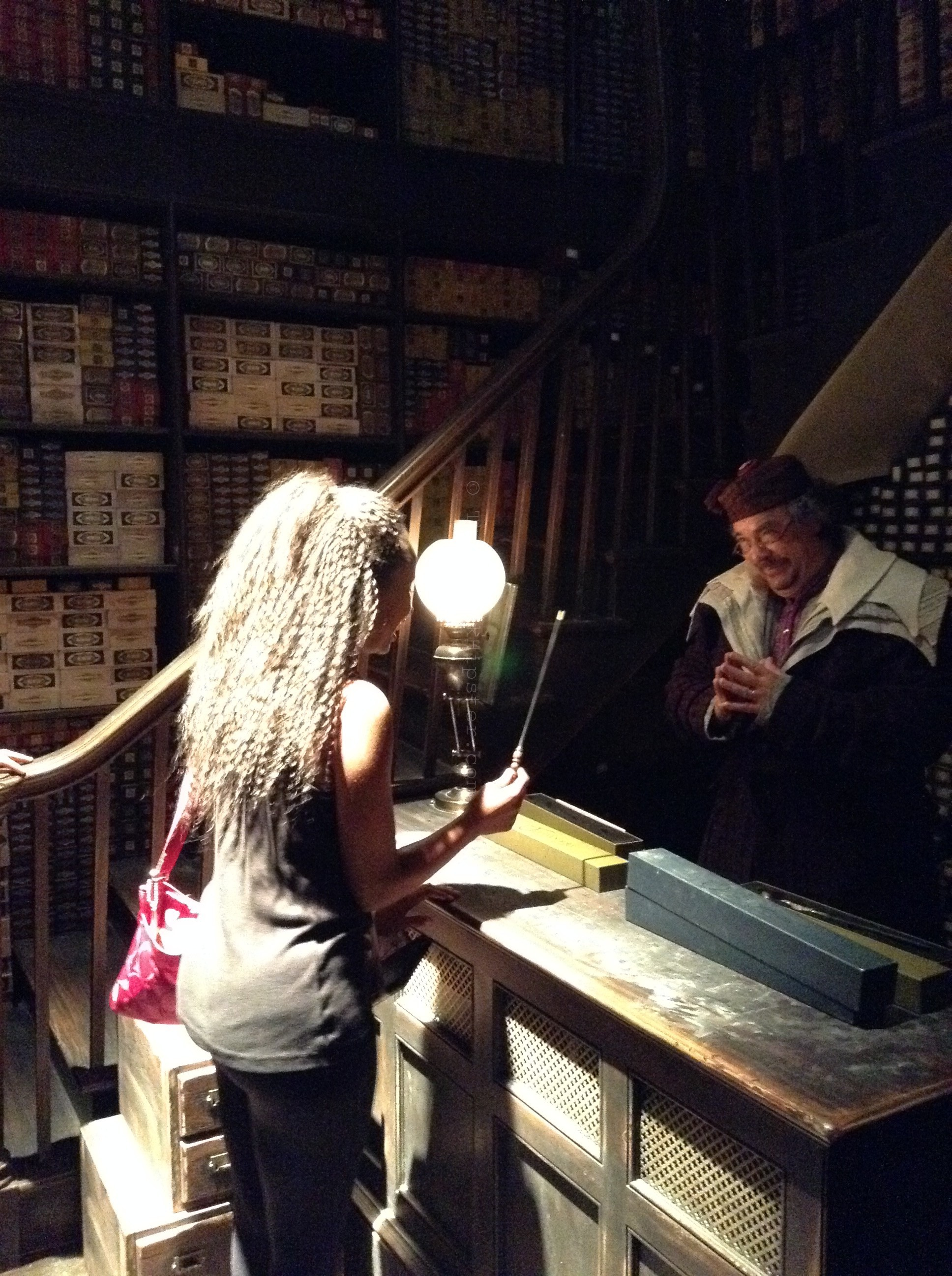 Diagon Alley : Ollivander's Wand Shop. #harrypotter #universalstudios