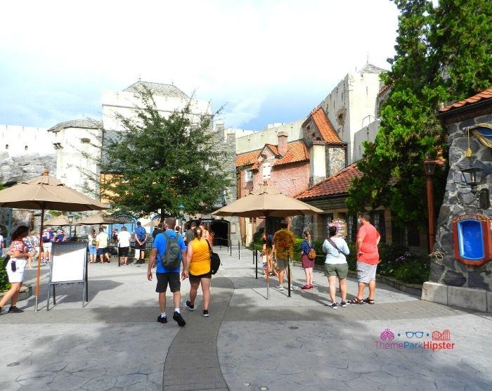 Frozen Ride Long Line at Epcot Theme Park