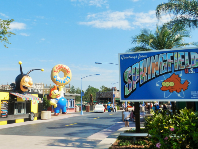 universal studios springfield welcome sign from the simpsons
