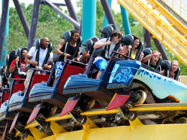top theme park blogs feedspot