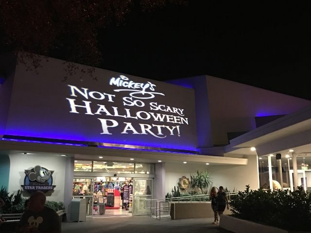 Projection Mickeys Halloween Party