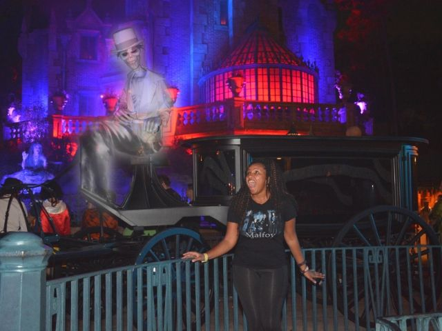 Mickeys Halloween Party Ghost PhotoPass