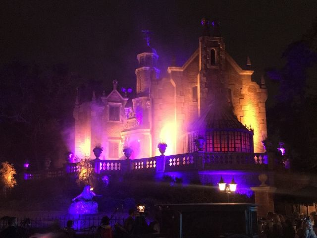 Mickeys Halloween Party Haunted Mansion