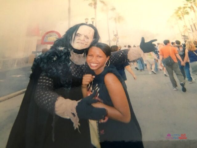 Halloween Horror Nights Solo NikkyJ 2007 with Scareactor