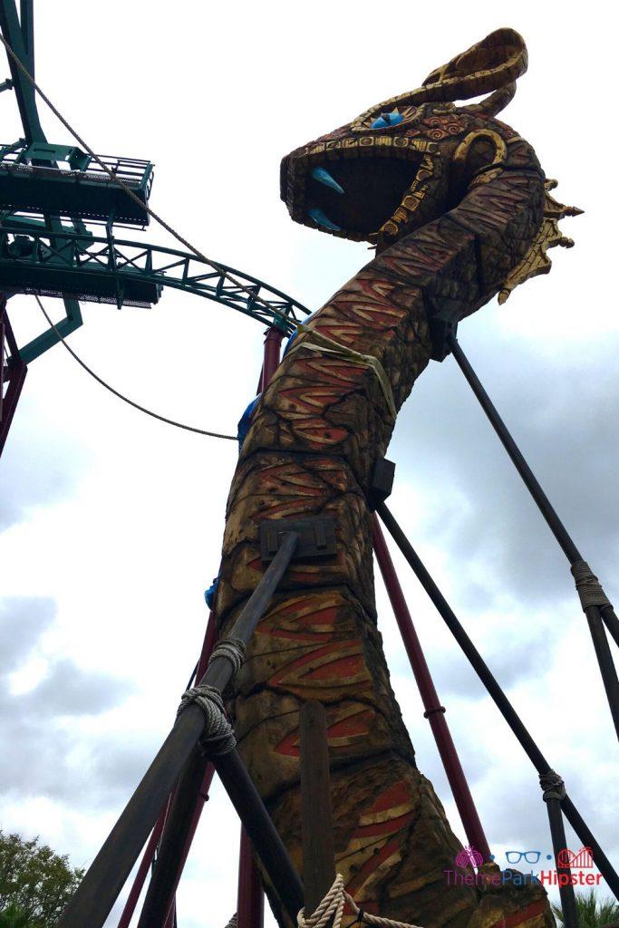 Cobra's Curse Busch Gardens Lift Hill