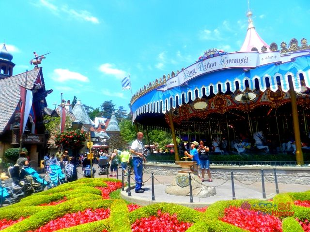 Disneyland Carousel Ride in Fantasyland. A perfect option on your Disneyland itinerary.