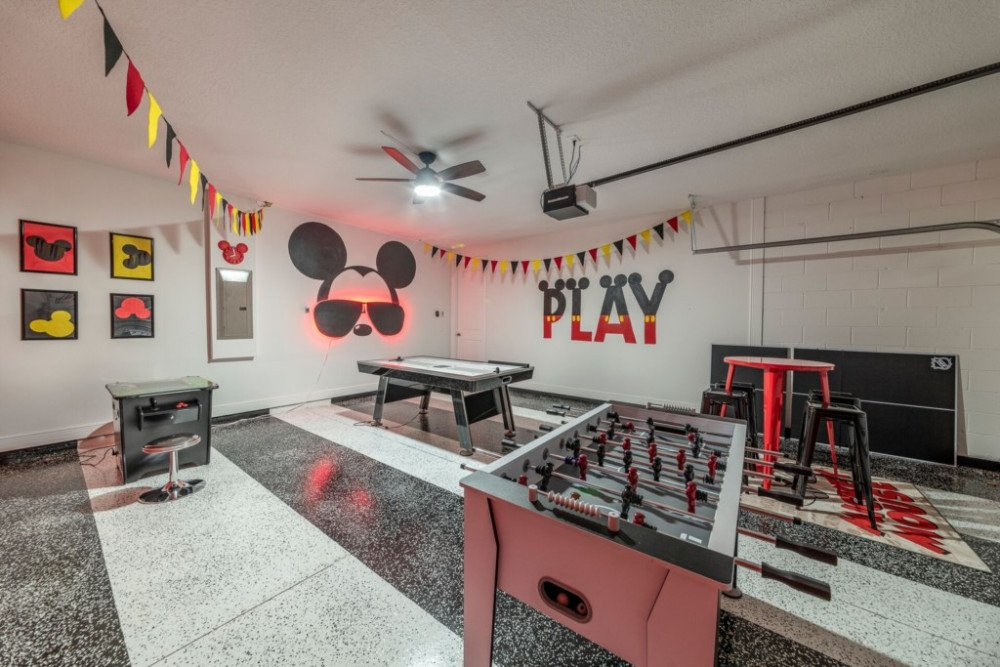 Disney and Star Wars Themed Villa at Encore with Mickey Mouse Game Room. Themed Vacation Rentals Near Disney