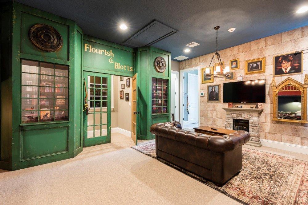 Harry Potter Themed Room Resort at Reunion. Themed Vacation Rentals Near Disney