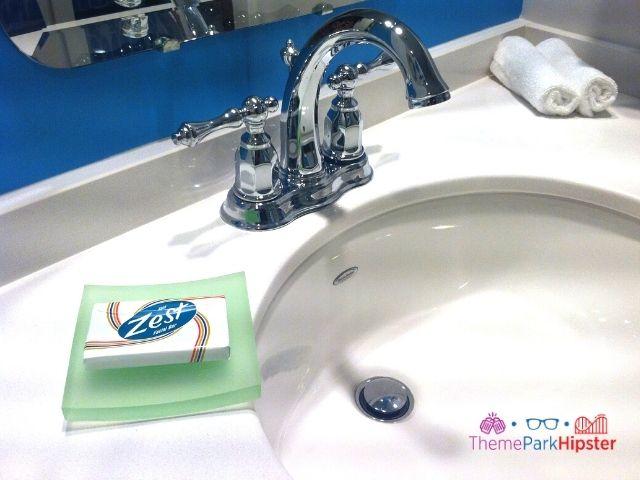 Bathroom Essential Zest Soap