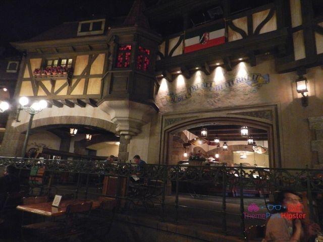 Biergarten Epcot dining area