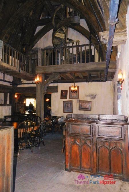Three Broomsticks interior entrance in Harry Potter World