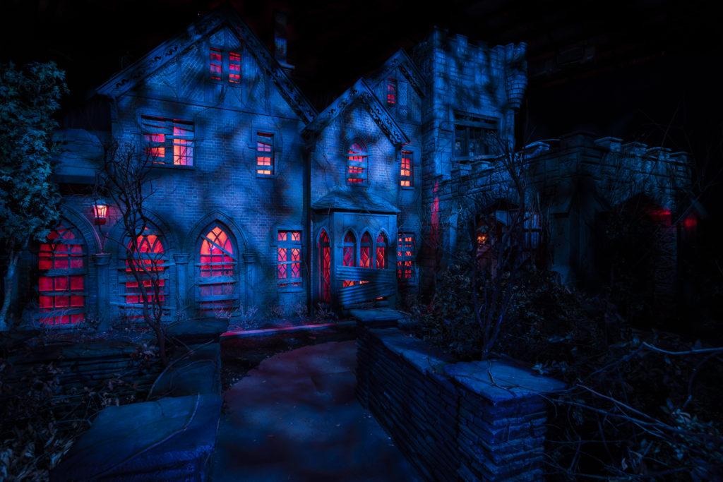 HN30 Discover Universal Blog Freeze First Look parade building USF Universal Studios Halloween
