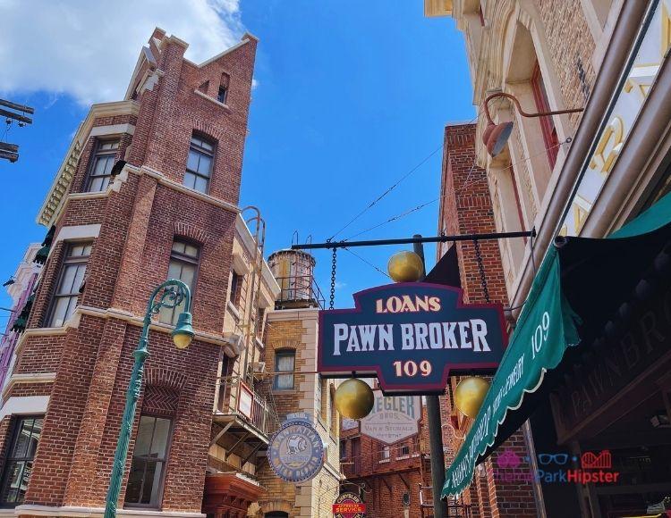 Alley in New York Area of Universal Studios. universal studios vs islands of adventure.