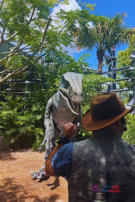 Raptor Encounter at Universal Jurassic World. How to Socialize on Your Solo Trip.