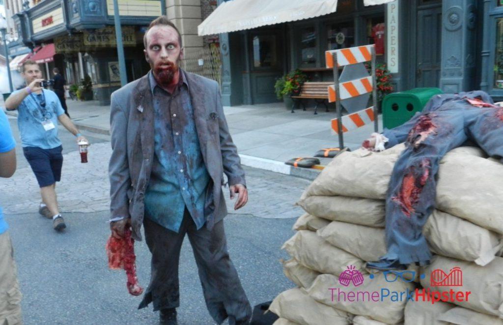 HHN 2013 Walking Dead Zombie