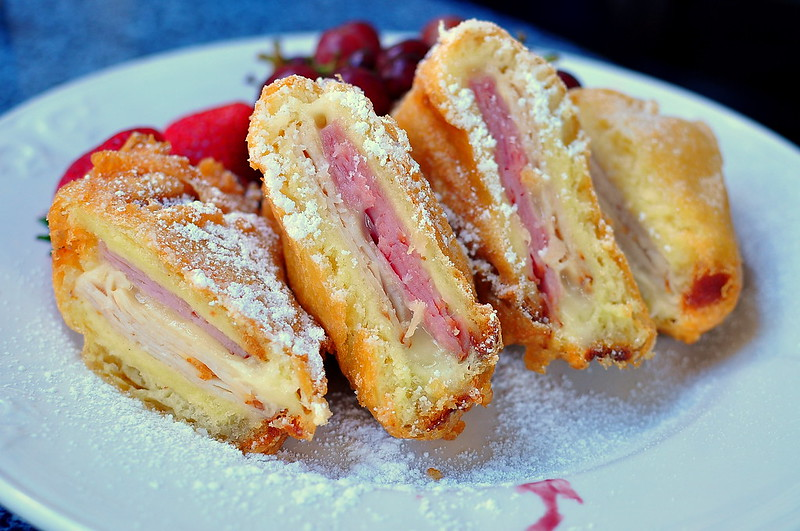 Disneylany Monte Cristo cafe Orleans best places to eat in disneyland