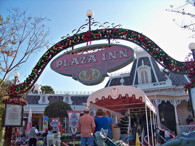 Plaza Inn Disneyland best places to eat in disneyland